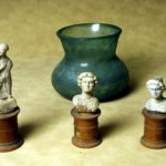 /oeuvres-antiques/fr/carrousel-detail/figurines-tombe-de-montfavet